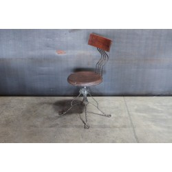 TWIST LEG CHAIR