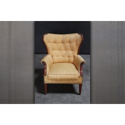 VINTAGE YELLOW ARMCHAIR