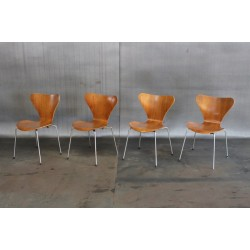 1973 FRITZ HANSEN SERIES 7 CHAIRS