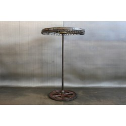 VINTAGE WHEEL CLOTHING RACK W/ CHAIN