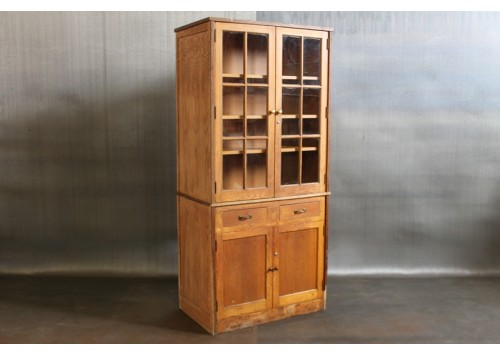 ANTIQUE WOODEN CABINET W/ GLASS DOORS