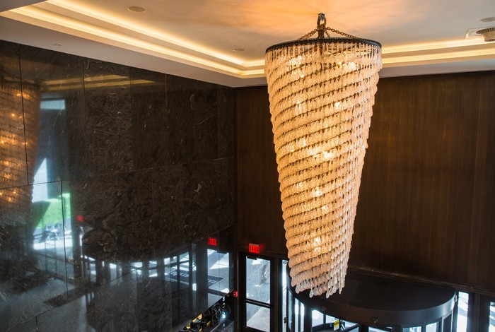 The Nine Hotel - Cleveland - Cascading Chandelier